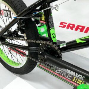 bicicleta-para-jovenes-hacer-trucos-saltos-bmx-parque-street-ontrail-nemesis-guayaquil-2.j