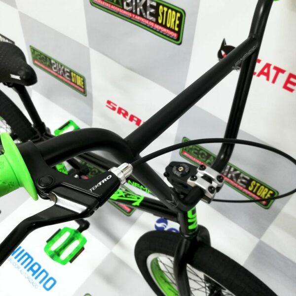 bicicleta-para-jovenes-hacer-trucos-saltos-bmx-parque-street-ontrail-nemesis-guayaquil-8.jpg