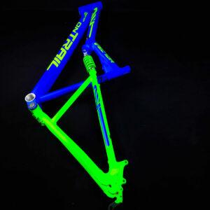 Bicicleta-guayaquil-mtb-montañera-talla-mega-bike-store-bike-shimano-on-trail-aro-29-aluminio-vector.