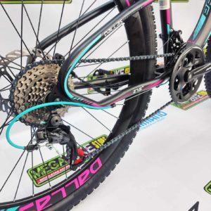 Bicicleta-guayaquil-mtb-montañera-talla-mega-bike-store-bike-shimano-profit-dallas-acero-aro-27.5-negro-morado.