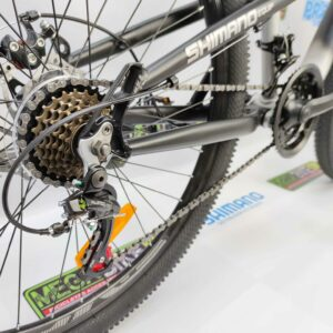Bicicleta-guayaquil-mtb-montañera-talla-mega-bike-store-bike-shimano-gti-vertigo-aluminio-aro-26-negro-gris